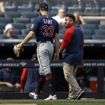 Gant leaves after 12 pitches vs Yankees, appears to be hurt